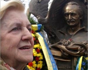 Вшанування пам'яті В'ячеслава Чорновола вперше проходять без його вдови. Напередодні Атена Пашко померла…