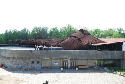 Жахливий буревій здійняв у повітря 47-тонний дах Музею історії козацтва на Хортиці