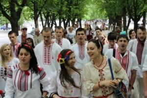У Черкасах провели Парад вишиванок