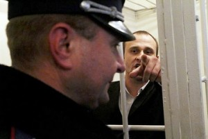 Громадські активісти зірвали суд над Запорожцем