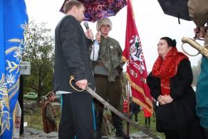 У Холодному Яру посвятили у козачки… громадянку Великобританії, внучку знаменитого Горліса-Горського