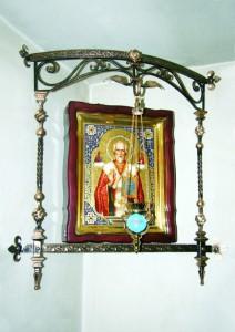 На Черкащині в церкві біля пам'ятника жертвам Голодомору іконостас…викують із заліза