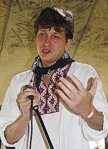 Олесь Доній радить не відлякувати людей від націоналізму надмірним радикалізмом