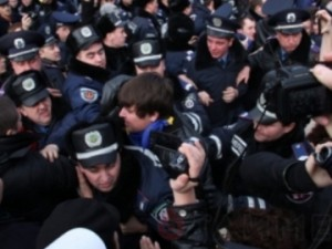 """У День Соборності в Одесі побилися """"Свобода"""" і """"Молодьожноє єдінство"""""""