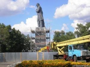 Ганьба Дніпропетровська: демонтований тут пам'ятник Тарасові Шевченку вже два роки не відновлюють
