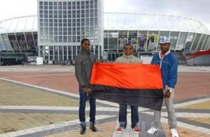 """Студенти з Камеруну: """"Під прапором УПА не вбивали темношкірих . При чому тут расизм чи фашизм ? """""""