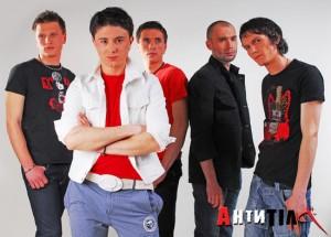 """Гурт """"Антитіла"""" категорично відмовився від участі у концертному турі, коли дізнався, що він – на підтримку ідеї """"трієдіного народа"""""""