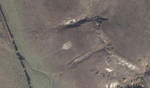 Найбільший в Україні тризуб виклав каменем на схилі гори ветеран УПА