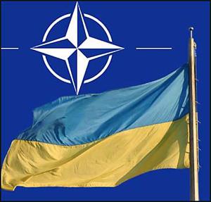 Напруга: Росія брязкає зброєю поблизу українських кордонів, яким НАТО обіцяє недоторканість