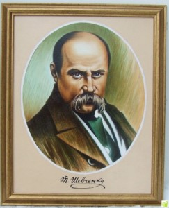 У Вінниці майстер з народу вирізьбив понад 200 зображень Шевченкіани… німецькою армійською бритвою