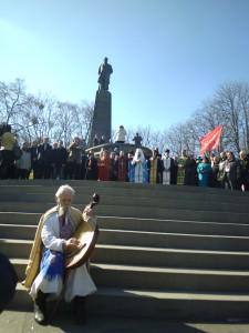 Коли у Каневі на могилі Шевченка розпочався молебень, над Тарасовою горою пролетіли журавлі…