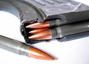 СБУ знешкодила диверсійну групу на Луганщині. У бандитів, які планували захоплення держустанов, вилучено величезний арсенал зброї та вибухівки