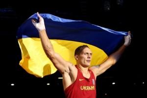 """На заздрість """"русскім вітязям"""" і решті світу, українські боксери Усик і Кличко отримали нові яскраві перемоги на ринзі"""