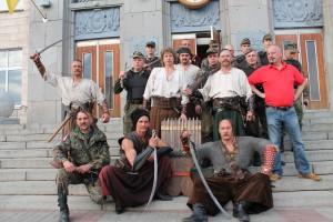 """У Черкасах зустрілися козаки: сучасні холодноярські і """"з минулого"""" – з Хортиці"""