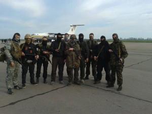 """Спецпідрозділ """"Азов"""" ліквідував базу сепаратистів і російських бойовиків"""