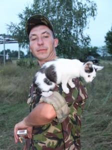 """У батальйоні """"Черкаси"""" на кордоні з Придністров'ям """"несуть службу"""" кішка Міна і пес Бімба"""