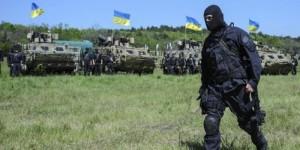 Під Амвросіївкою російські десантники горять разом зі своїми бронетранспортерами
