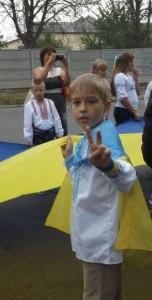 Наколядувавши 100 гривень, восьмирічний черкащанин передав їх бійцям АТО
