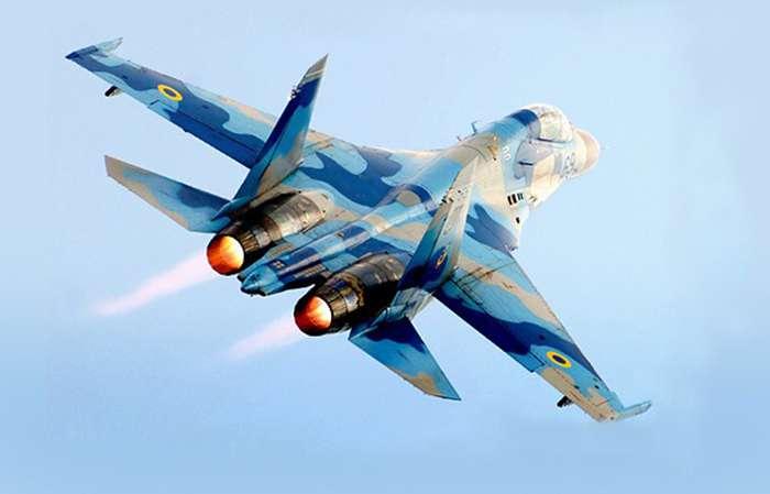 """Військово-Повітряні Сили України отримають нові винищувачі, """"транспортники"""" і вертольоти"""