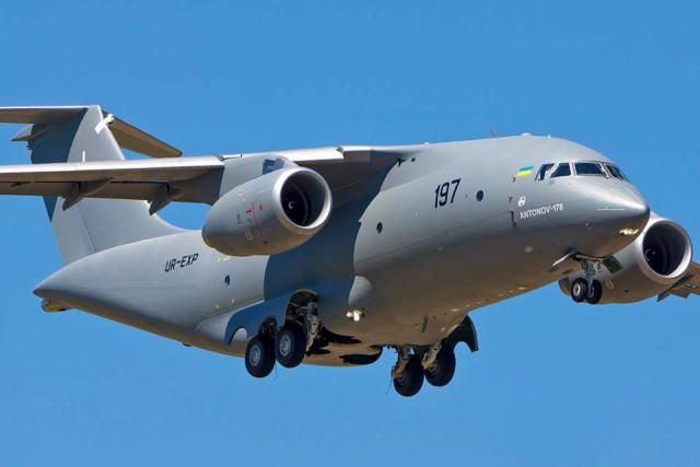 """Український військово-технічний прорив: літаку Ан-178 пророкують успіх на міжнародному авіасалоні """"Ле Бурже"""""""