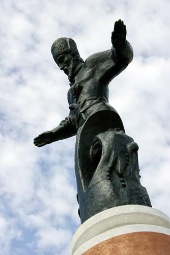 У Харкові встановлять пам'ятник гетьману Сагайдачному, врятований з окупованого Севастополя