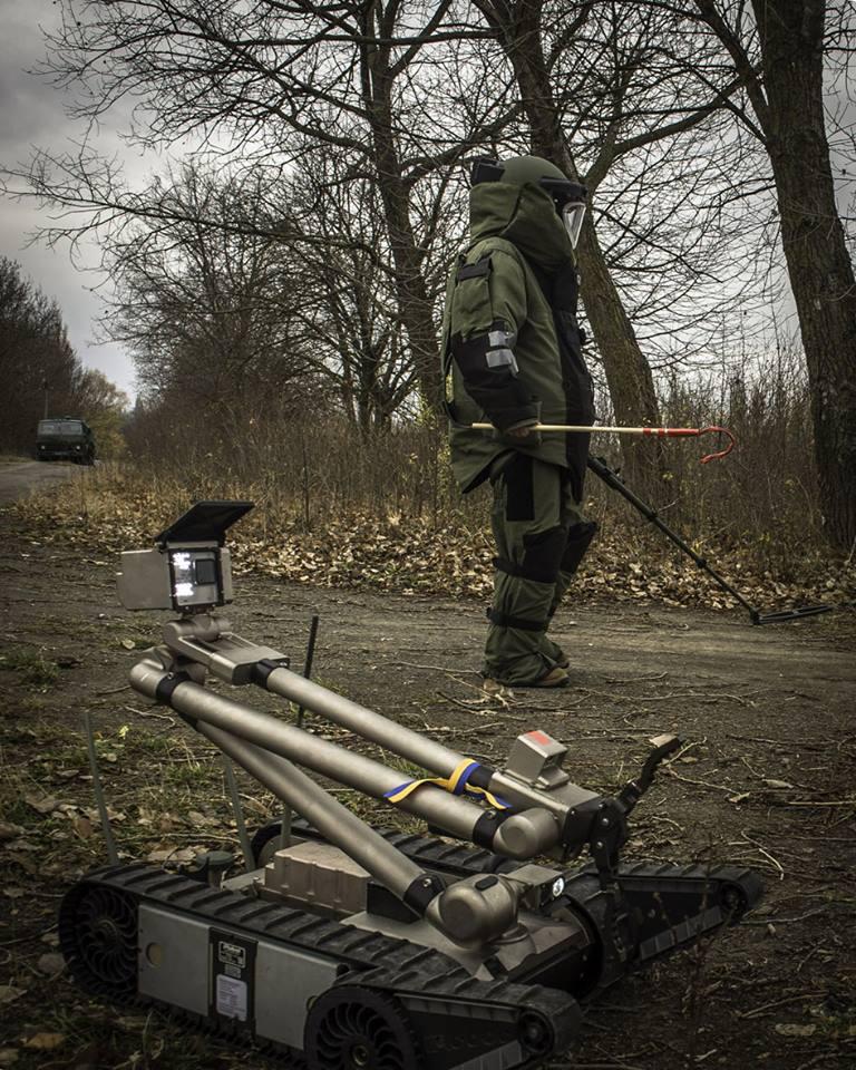 Канада передала українській армії роботизовані системи розмінування