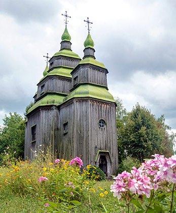 Козацькій церкві з Черкащини, «останньому дубовому гіганту Наддніпрянщини» – 273 роки!