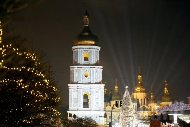 У Києві пройде найбільший у Європі парад Санта-Клаусів (перелік святкових заходів січня)