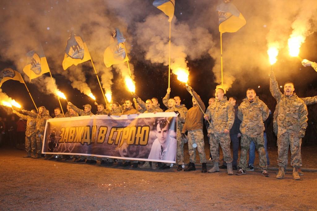"""Через рік після загибелі боєць """"Азову"""" Амброс… знову – в одному строю з однополчанами"""