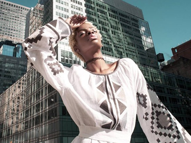 """""""Шоколадна королева"""" прорекламувала українські вишиванки у Нью-Йорку"""