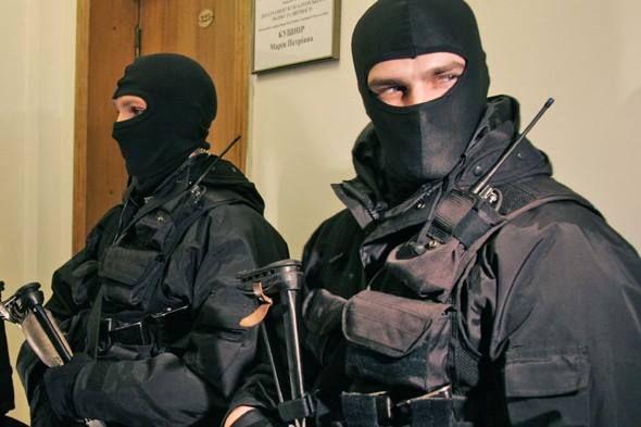 Чергове позорище сусідів: московський чиновник привітав ФСБ зі святом… картинкою з бійцями СБУ