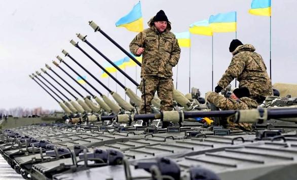 У 2017 році українська армія отримає поставки новітніх безпілотників і бронемашин