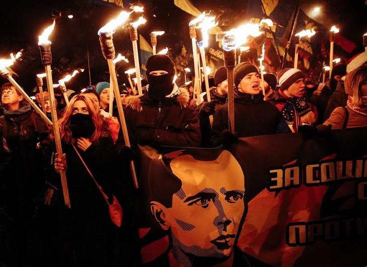 День народження Степана Бандери українські націоналісти відзначають смолоскипною ходою