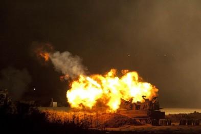 Пострілом з ПТРК знищене авто, у якому їхали бойовики і російський полковник