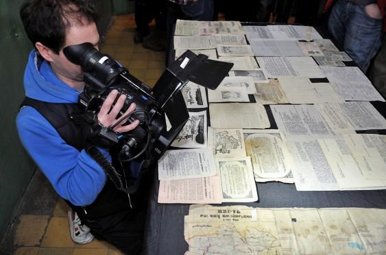У підвалі покинутого будинку працівники СБУ знайшли унікальний архів ОУН