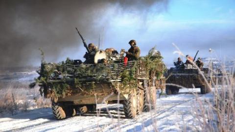В обстановці повної секретності український батальйон зайняв нові позиції біля стратегічної траси на Донбасі