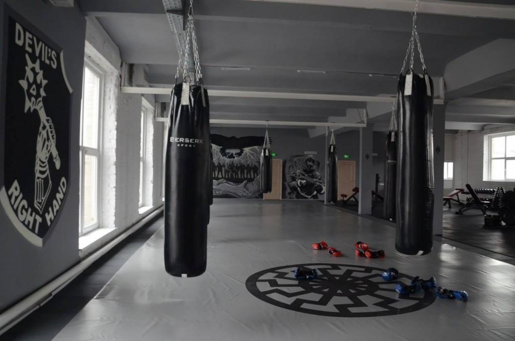 """На честь полеглого бійця """"Азову"""" в Черкасах відкрили спортзал імені Амброса"""