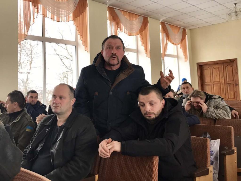 У Катеринополі на Черкащині зірвали спробу перейменувати вулицю, названу на честь Героя АТО, на вулицю імені… більшовика, який боровся проти української державності