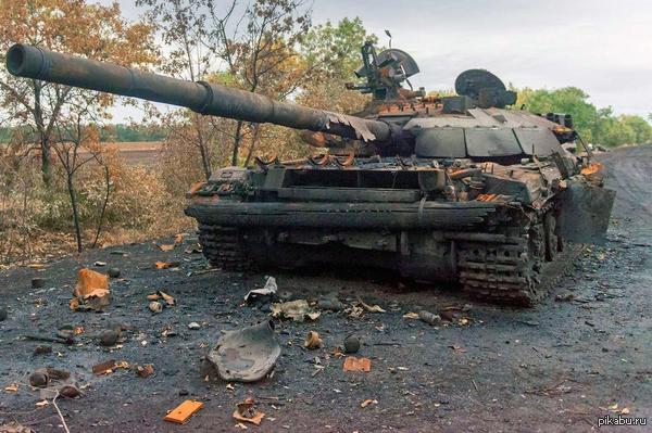"""Біля позицій ЗСУ в районі шахти """"Бутівка"""" відбулося """"самозагорання"""" танка сепаратистів"""