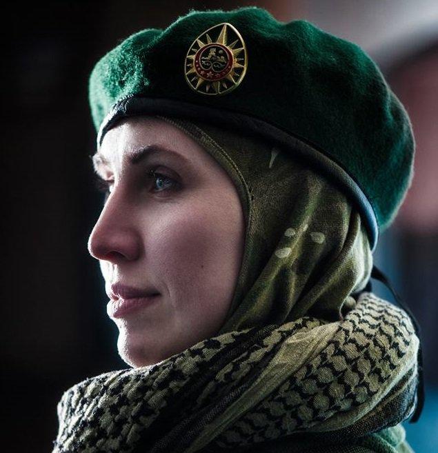 Чеченка, що воювала за Україну, увігнала чотири кулі в кілера, який напав на її чоловіка