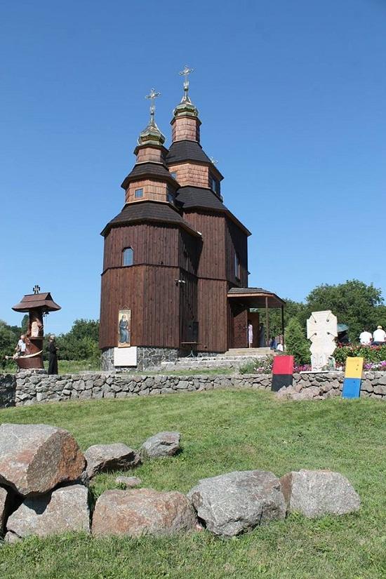 25 липня – два роки від часу освячення першого в Україні храму на честь Петра Калнишевського, зведеного у Холодному Яру