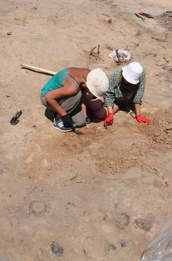 Археологи вивчають загадкове поселення гори Лисуха над Дніпром на Канівщині…