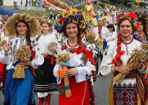 У Канаді до Дня Незалежності України влаштують масштабну ходу у вишиванках