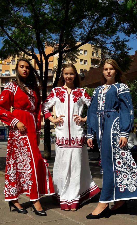 Іспанська Барселона любувалася на вишиванки з Черкас і ляльки-мотанки з Полтавщини