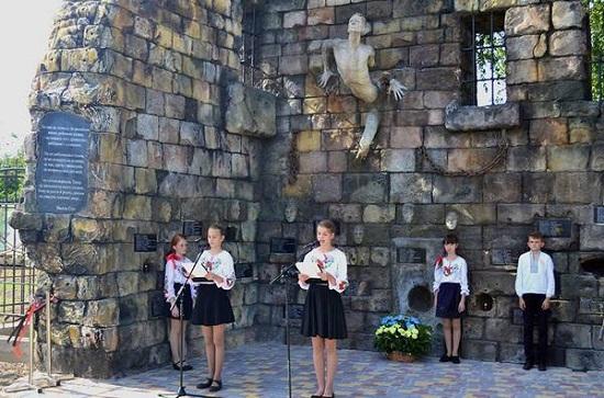 У Борисполі  відкрили пам'ятник учасникам антибільшовицького повстання та жертвам Великого терору