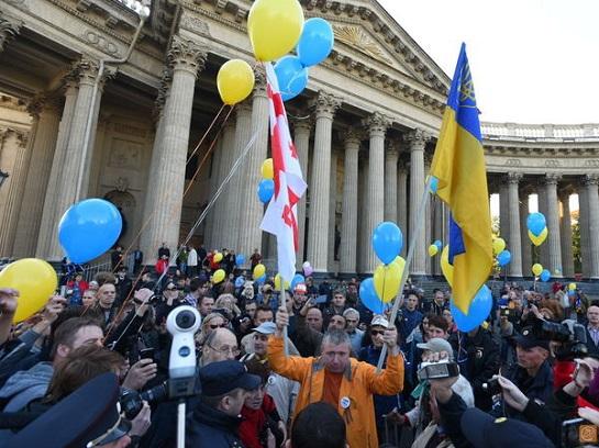 У російському Петербурзі люди вийшли на акцію проти війни з Україною