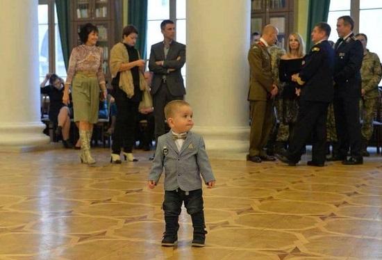 У Києві відбувся перший благодійний бал захисників України. Зібрані кошти підуть на відкриття музею сучасної війни в Умані