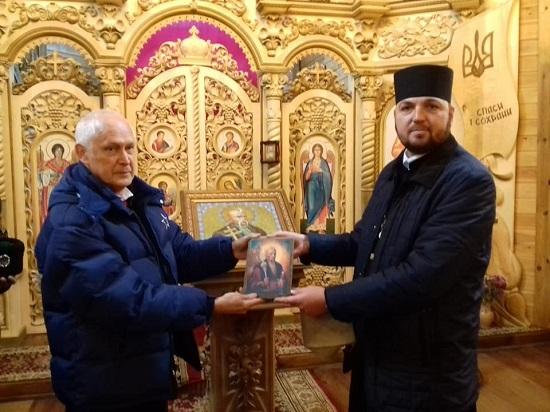Козацький храм Петра Калнишевського у Холодному Яру відвідав Кошовий Отаман Українського Вільного Козацтва Австралії