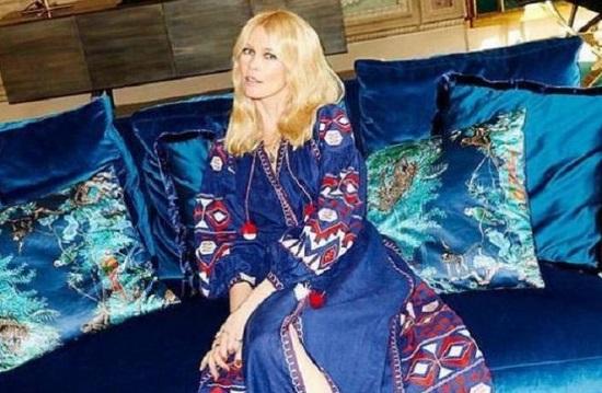 На Тижні моди в Парижі супермодель Клаудія Шиффер красувалася в українській вишиваній сукні