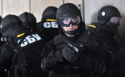 По всій країні СБУ проводить обшуки у підозрюваних в антиукраїнській діяльності